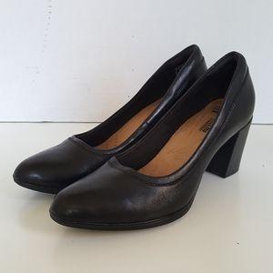 Clarks Black Leather Slip On Heels Pumps